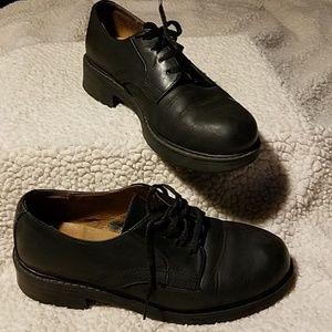 "Bass ""Brassie"" Black Leather Shoes Sz 6M"